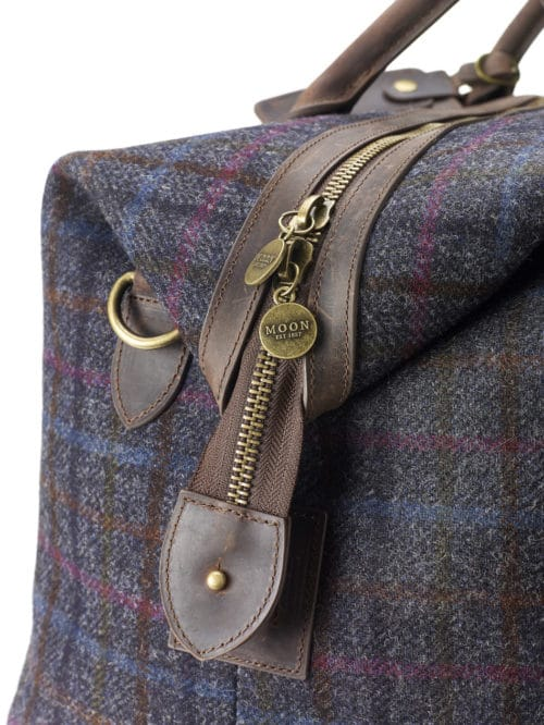 HOLD-01-Moon-Holdall-Grey-Check-Bag-Detail-500x666